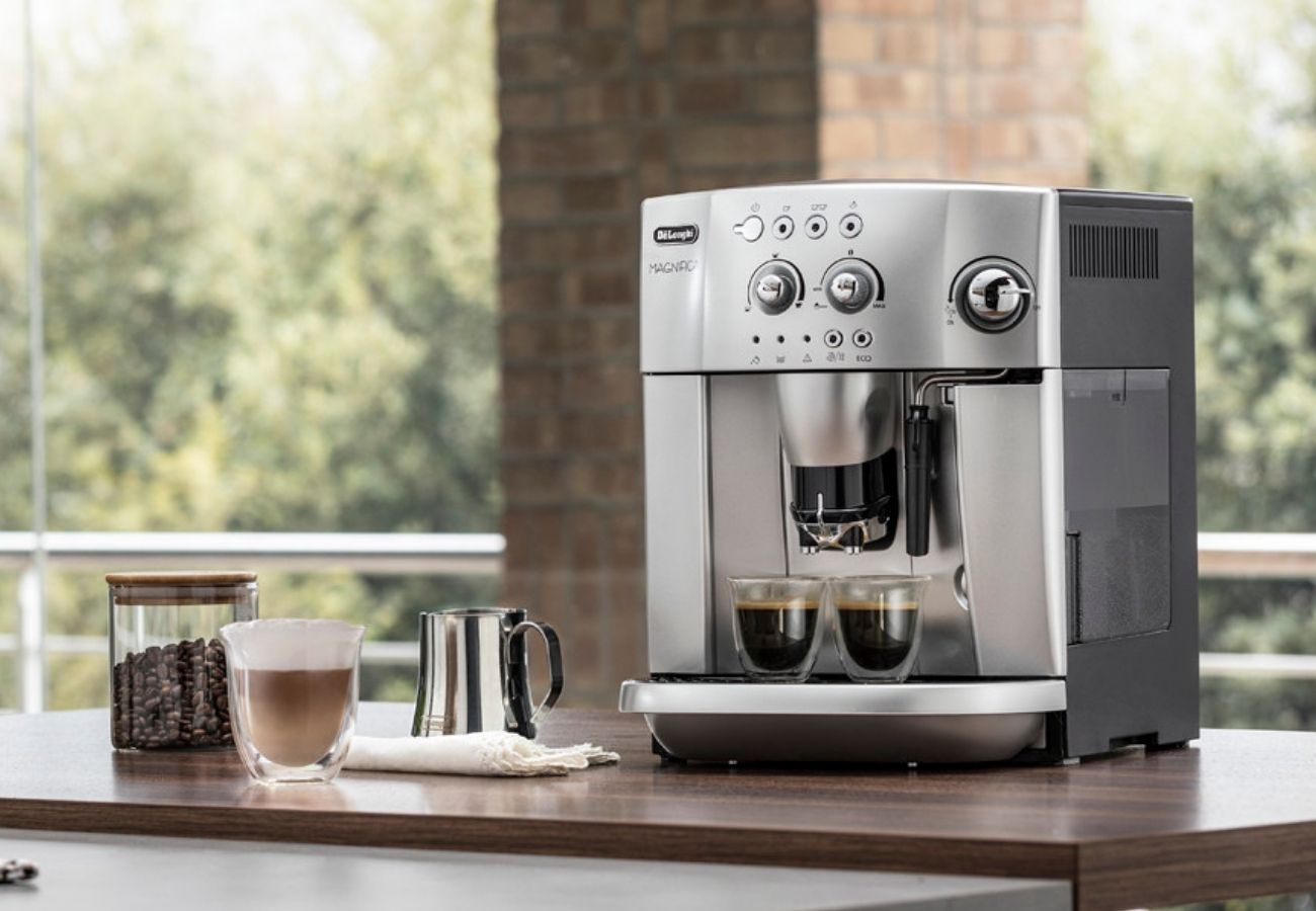 DeLonghi Magnifica ESAM 4200 coffee machine review